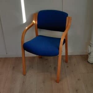 Brukt konferansestol - Blå konferansestol. Komfortable blå konferansestoler i god stand.